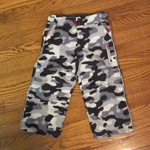 Oshkosh camp print pants size 3T